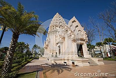 New Khmer pagoda .