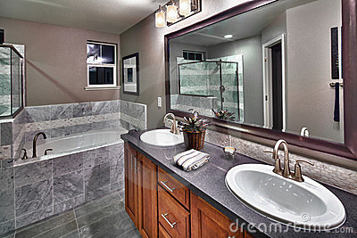 New residential bathroom