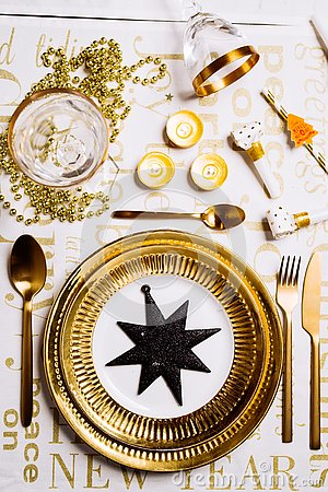 Free New Year Table Setting Royalty Free Stock Photo - 132688455