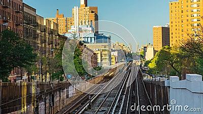 New York le timelapse ferroviaire de jour de train de ville de Bronx banque de vidéos