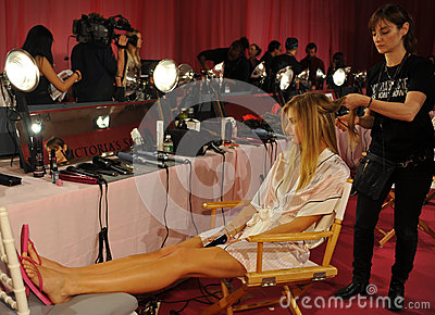 NEW YORK, NY - NOVEMBER 13: Model Constance Jablonski prepares at the 2013 Victoria s Secret Fashion Show Editorial Stock Image