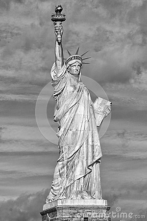 Free New York Statue Of Liberty Vertical Silhouette B&w Stock Image - 45387181