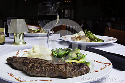 New York Strip Steak with Mashed Potatoes and Mixed Vegetables 4