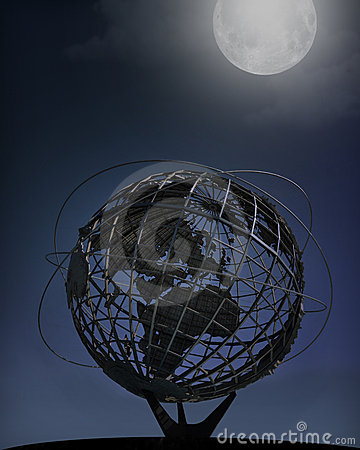 New York World s Fair Unisphere, Nighttime