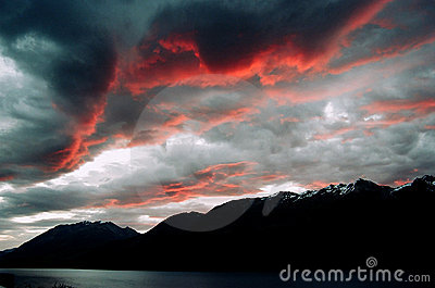 New Zealand Mountain sunset