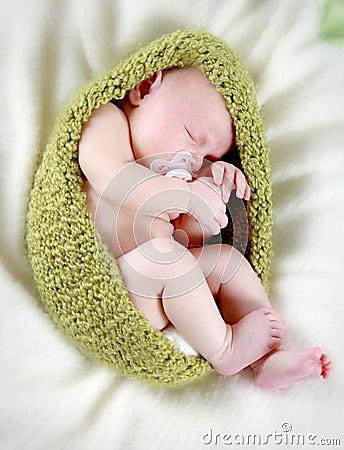 Free Newborn Baby Sleeping Stock Images - 11828144