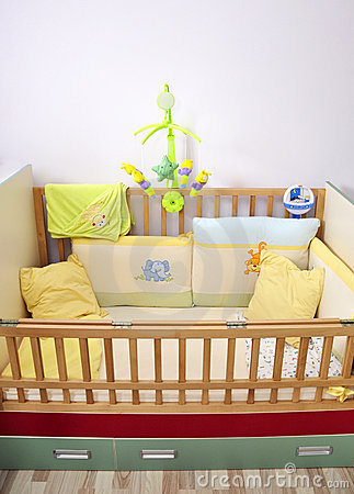 Newborn bed musical toy