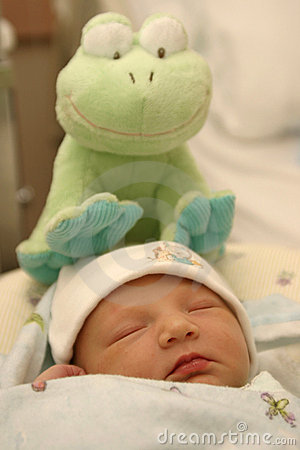 Newborn with Froggy