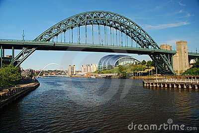 Newcastle upon tyne, bridges across the Tyne river