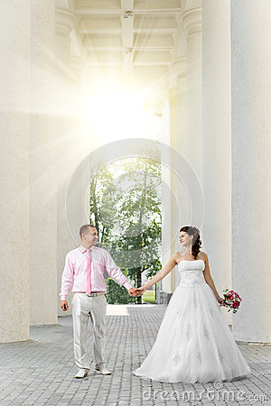 Free Newly Married Couple Stock Image - 27492621