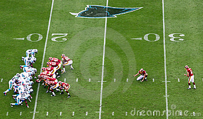 NFL - getting ready to kick a field goal Editorial Image