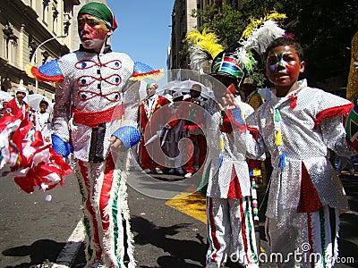 Niños en el carnaval del trovador de Ciudad del Cabo Imagen de archivo editorial