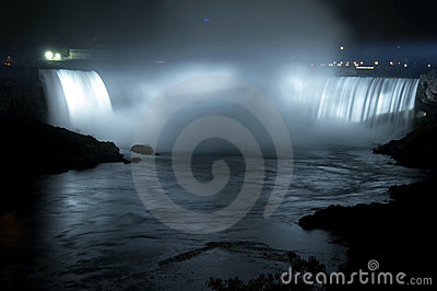 Niagara Falls - Horseshoe Falls (Canadian Falls) by night