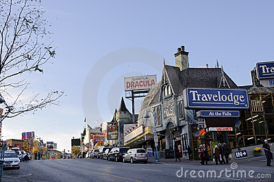 Niagara street scene with tourists Editorial Stock Image