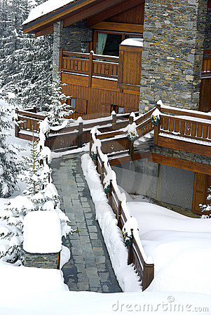 Free Nice Chalet Detail Royalty Free Stock Images - 8482949