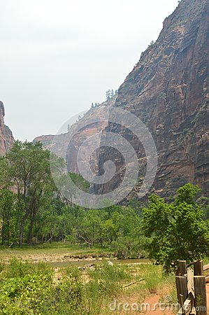 Free Nice Desfuladero With A Sinuous River Full Of Water Pools Where You Can Take A Good Bath In The Park Of Zion. Geology Travel Holid Royalty Free Stock Images - 107832389
