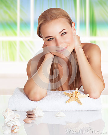 Free Nice Girl On The Beach Resort Stock Images - 73751094