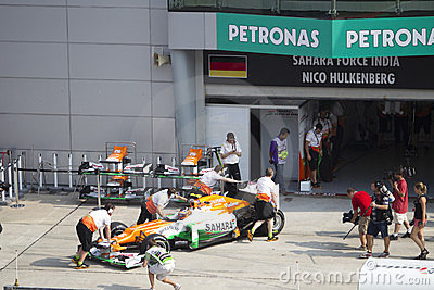 Nico Hulkenberg pushed back to his pit garage Editorial Photography