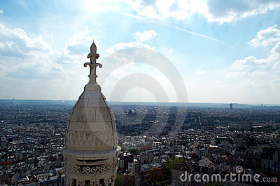 Niebieska 2 nad niebem Paryża