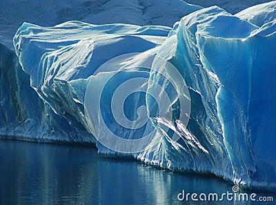 Niebieski lód