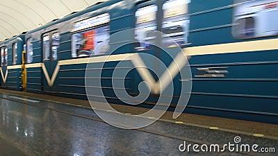 Niebieski pociąg metra zdjęcie wideo