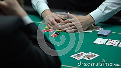 Niefortunnego kasynowego gracza przegrywający pieniądze, iść bankrutem, uprawia hazard nałóg