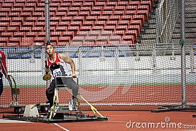 Niepełnosprawny dyska mężczyzna osob s rzut Fotografia Editorial
