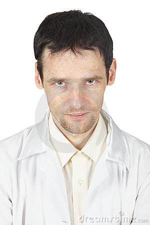 Niet een goede starende blik van jonge arts
