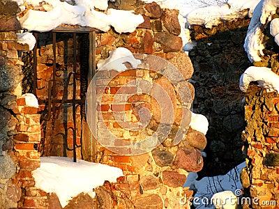 Nieve en las ruinas