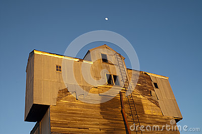 Night Falls Sunset Unusual Barn Blue Sky Moon Shine