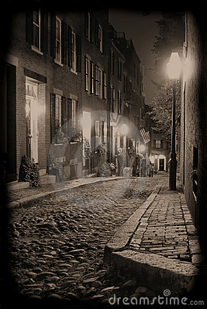 Free Night On Acorn Street Royalty Free Stock Photography - 3359547