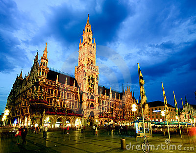 The night scene of Munich town hall Editorial Stock Image