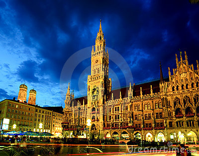 The night scene of Munich town hall Editorial Image
