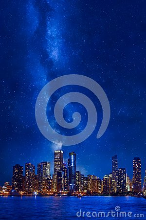 Free Night Time Chicago Downtown Cityscape Royalty Free Stock Photos - 138270298