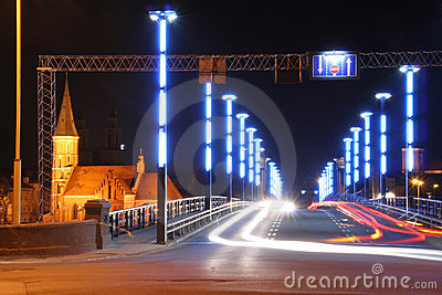 Night traffick on the bridge