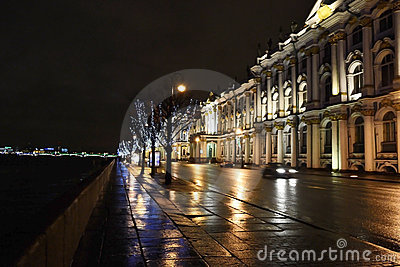Night view of Palace Embankment in St.Petersburg Editorial Stock Image
