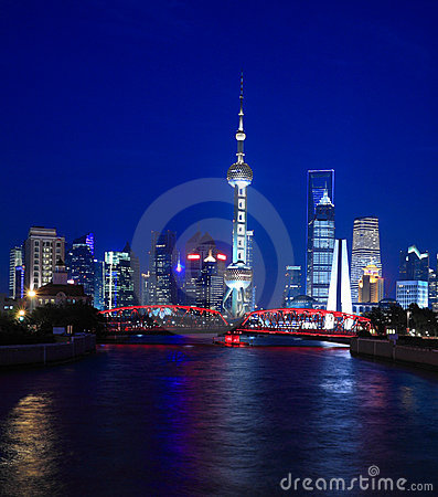 Night view of Shanghai Oriental Pearl TV Tower