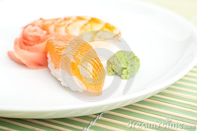 Nigiri寿司用在牌照的调味汁