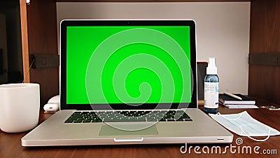 Ninguém usando laptop em casa vídeos de arquivo