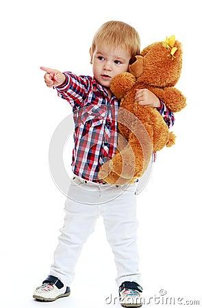 Ni o peque o que abraza un oso de peluche foto de archivo - Foto nino pequeno ...