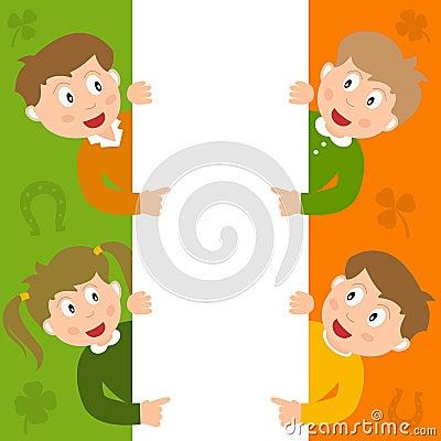 Niños de St Patrick s y muestra en blanco