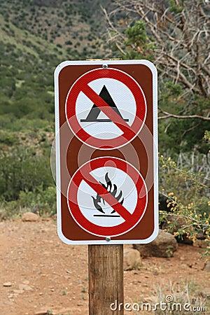 No camping no fires sign