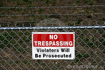 No trespassing - private
