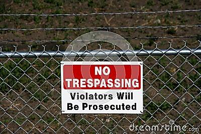 No trespassing - private