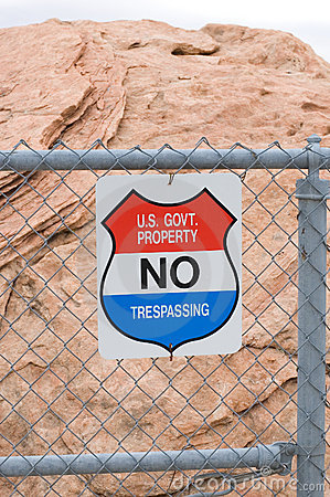 Free  No Trespassing  Sign Royalty Free Stock Images - 758069