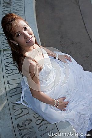 Noiva asiática da mulher dos anos quarenta bonitos