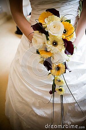 Noiva com flores