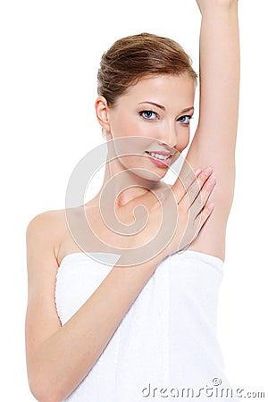 腋窝关心女性皮肤
