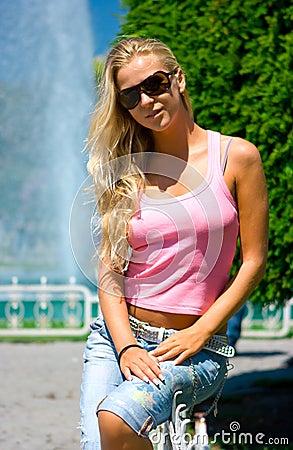 белокурый фонтан