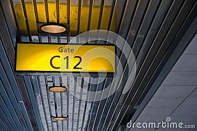 знак строба восхождения на борт авиапорта